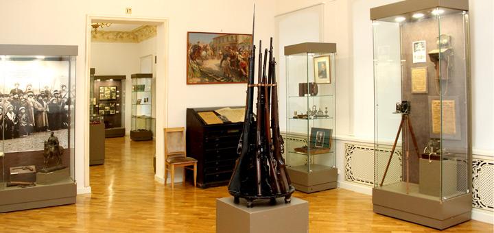 revolyuciya-1917-goda-skvoz-prizmu-sobranij-muzeev-arxivov-i-bibliotek_mini