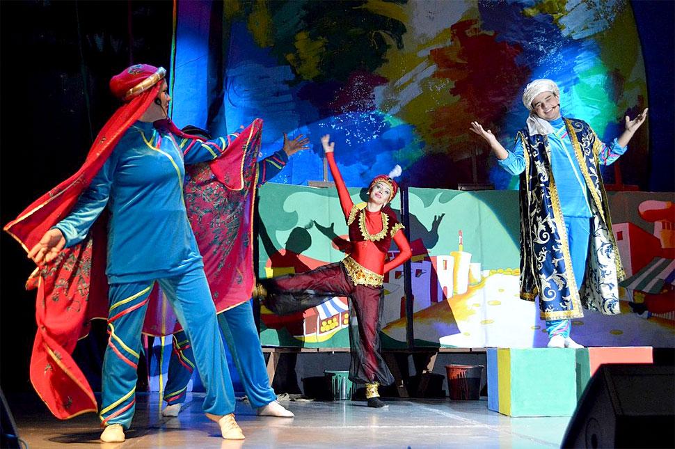 volshebnyj-mir-disneya-na-scene-teatra-opery-i-baleta_1
