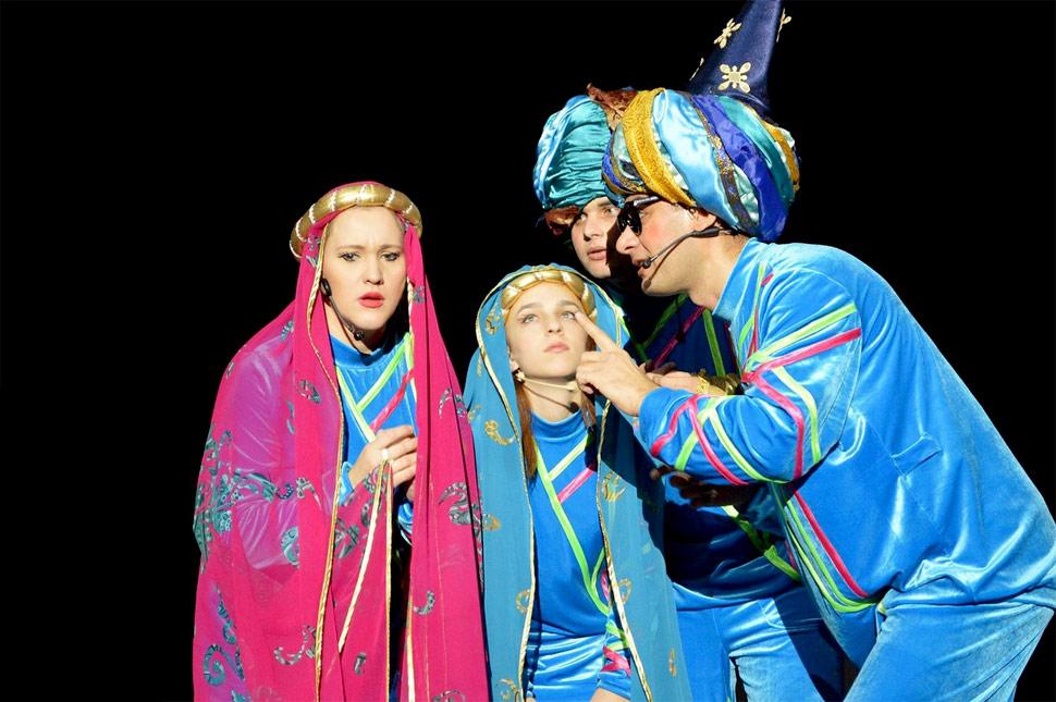 volshebnyj-mir-disneya-na-scene-teatra-opery-i-baleta_2