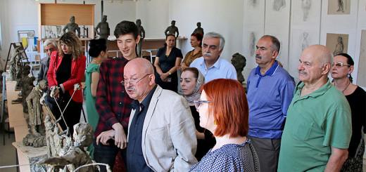 Студенты-скульпторы, графики и живописцы приглашают в свои мастерские