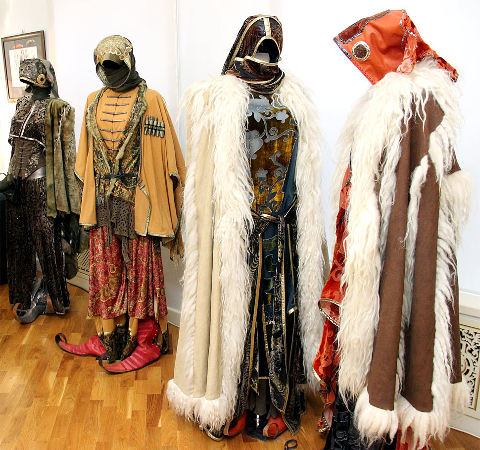 Народный костюм - её вдохновение