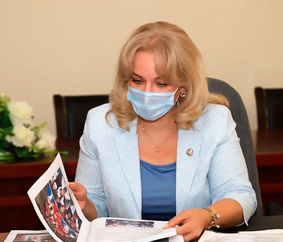 Зарема Бутаева рассказала о деятельности работников культуры в период ограничительных мер